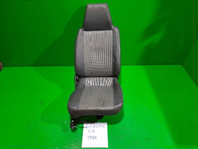 Сиденье Mazda Bongo SK82MN переднее правое (б/у)