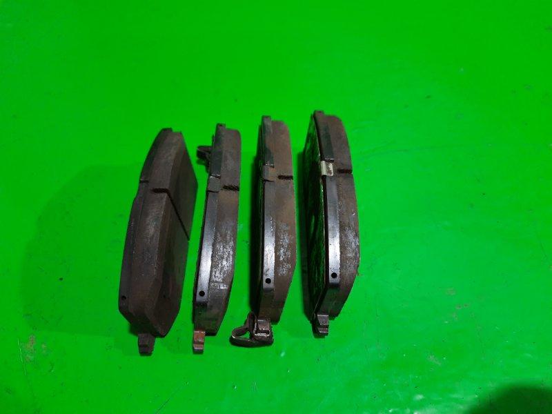 Тормозные колодки Toyota Starlet EP95 переднее (б/у)