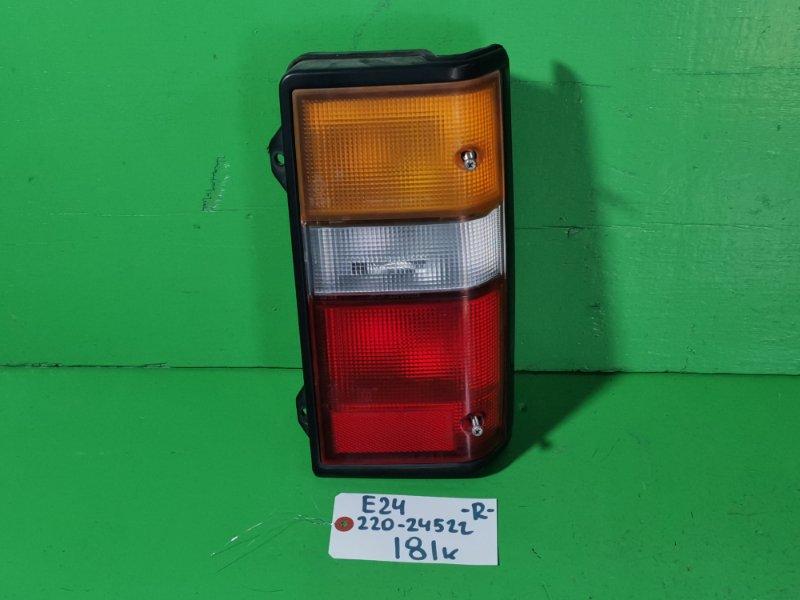 Стоп-сигнал Nissan Caravan E24 правый (б/у)