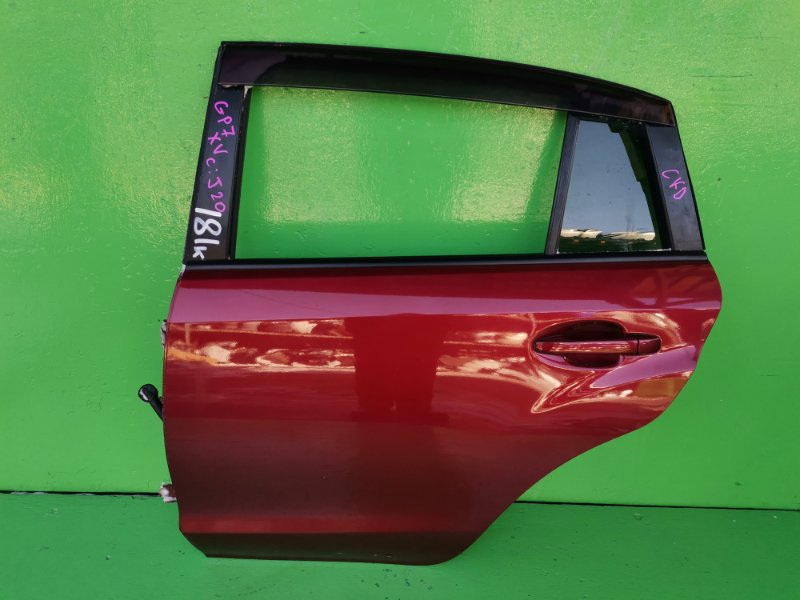 Дверь Subaru Xv GP7 задняя левая (б/у)