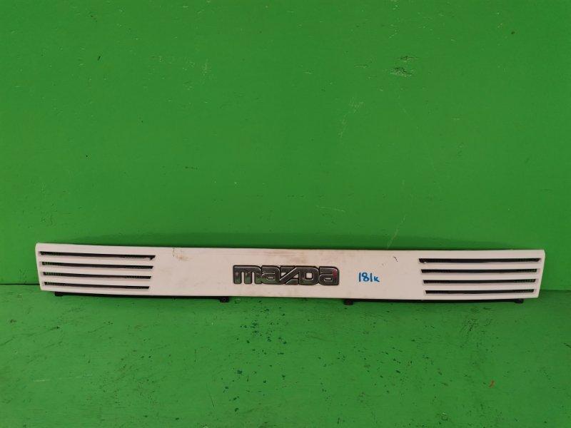 Решетка радиатора Mazda Titan WGM4T (б/у)