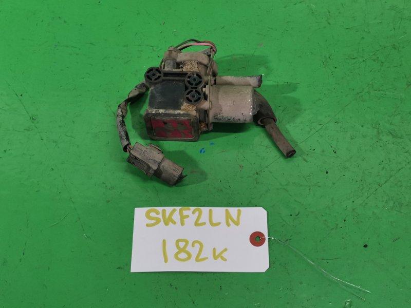 Датчик включения 4wd Mazda Bongo SKF2LN (б/у)