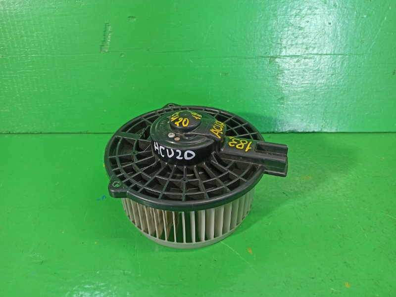 Мотор печки Toyota Kluger ACU20 (б/у)