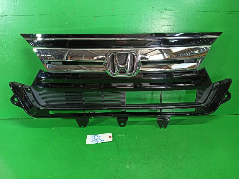 Решетка радиатора Honda N-Box JF3 (б/у)