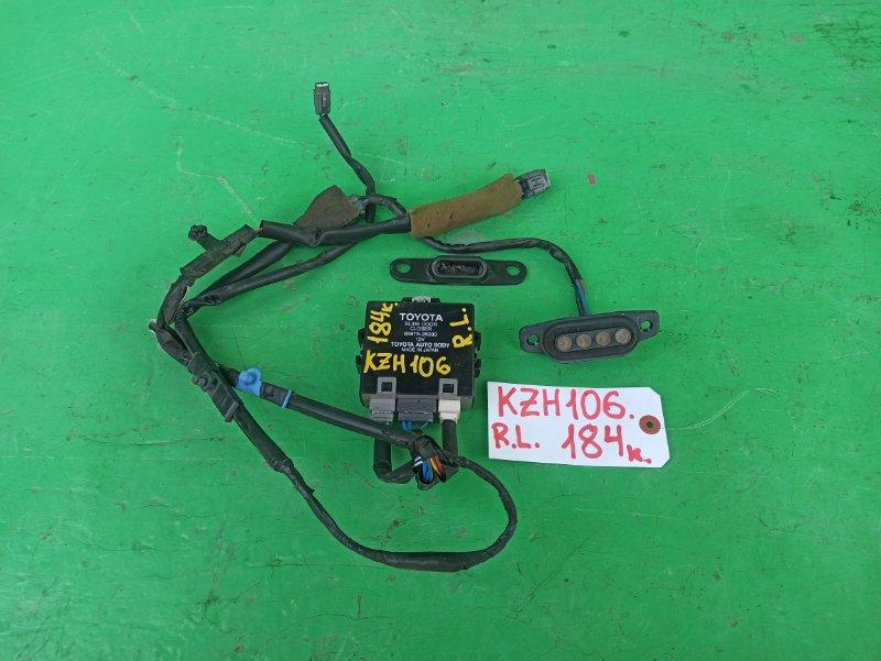 Доводчик двери Toyota Hiace KZH106 задний левый (б/у)
