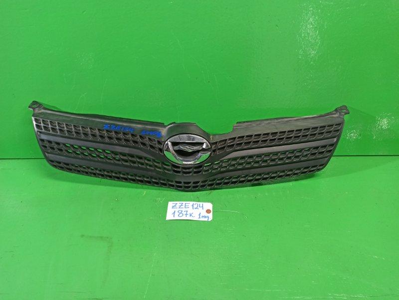 Решетка радиатора Toyota Spacio ZZE124 (б/у)