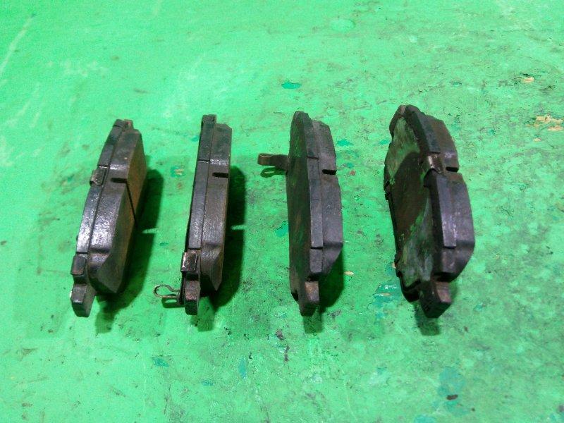 Тормозные колодки Toyota Spacio ZZE124 переднее (б/у)