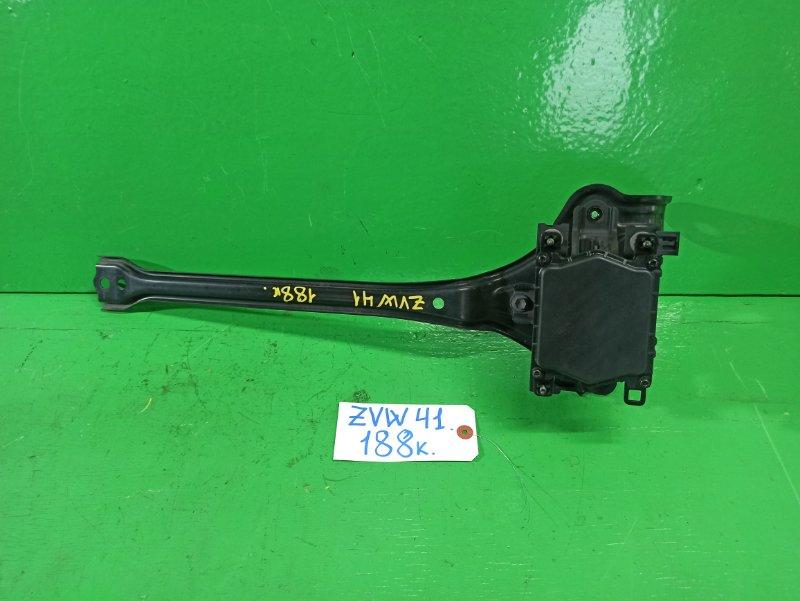 Радар-детектор Toyota Prius Alpha ZVW41 (б/у)