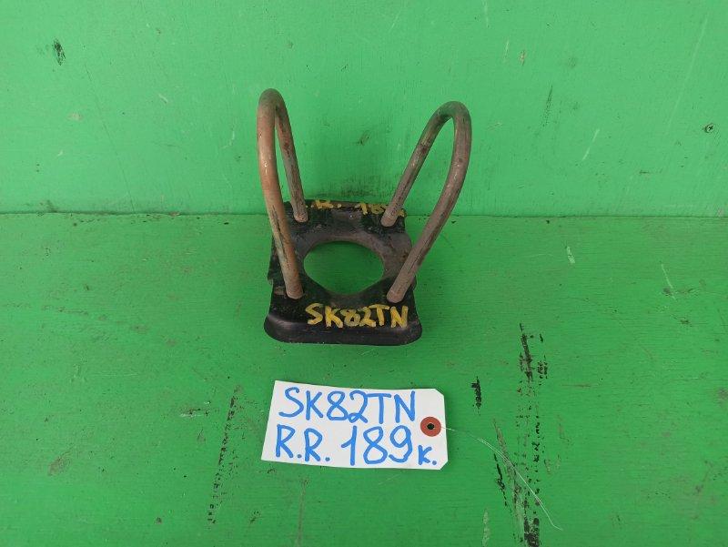 Стремянка рессоры Mazda Bongo SK82TN задняя правая (б/у)