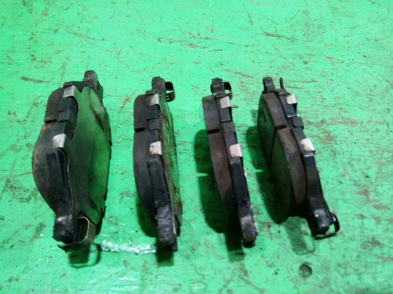 Тормозные колодки Toyota Allion AZT240 переднее (б/у)