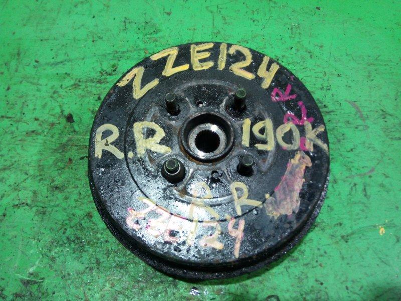 Ступица Toyota Runx ZZE124 задняя правая (б/у)