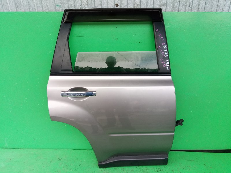 Дверь Nissan Xtrail NT31 задняя правая (б/у)
