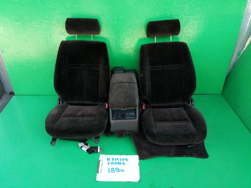 Сидение Toyota Hiace KZH106 переднее (б/у)