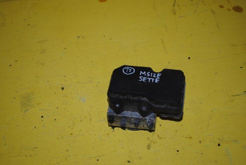 Блок abs Toyota Passo Sette M512E (б/у)