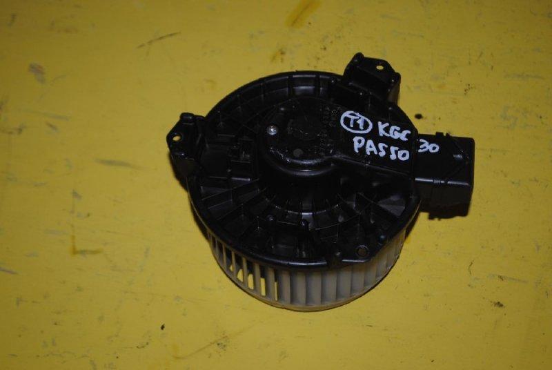 Мотор печки Toyota Passo KGC30 (б/у)