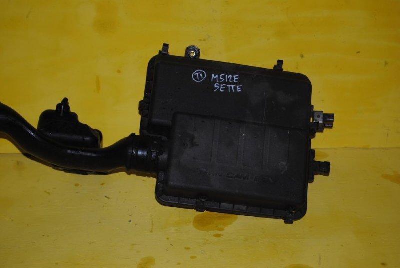 Корпус воздушного фильтра Toyota Passo Sette M502E (б/у)