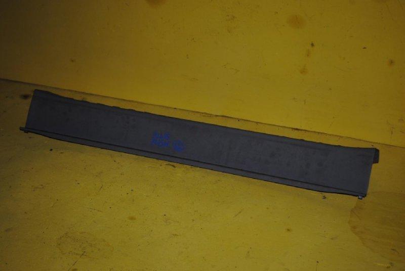 Пластик замка багажника Toyota Passo Sette M502E (б/у)