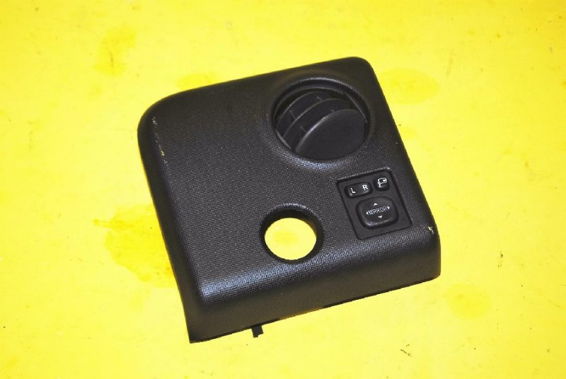 Блок управления зеркалами Toyota Spade NCP141 (б/у)