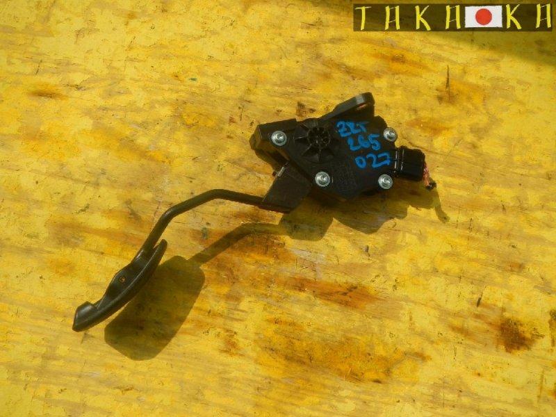 Педаль подачи топлива Toyota Allion ZRT260 (б/у)