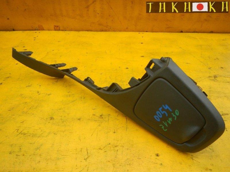 Подстаканник Toyota Prius ZVW30 (б/у)