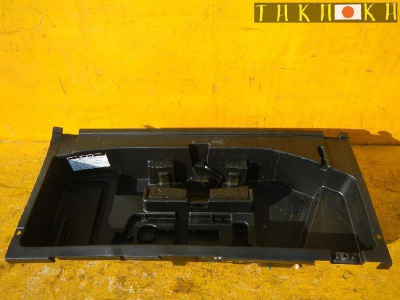 Ванночка в багажник Toyota Harrier ACU30 (б/у)