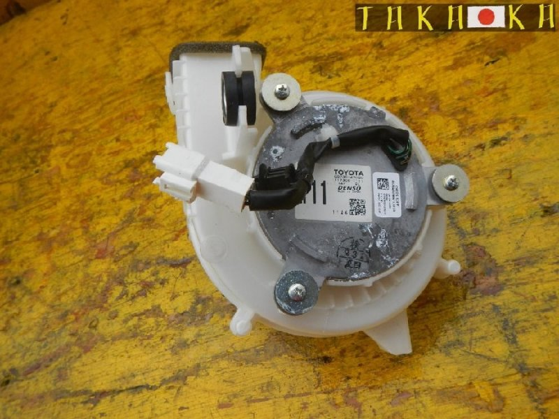 Мотор охлаждения батареи Toyota Prius ZVW30 (б/у)