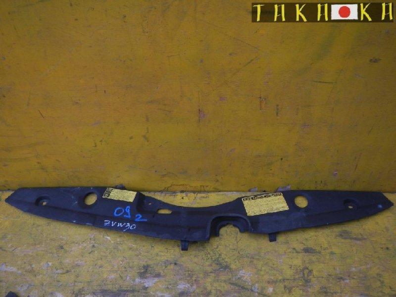 Пластм. защита над радиатором Toyota Prius ZVW30 (б/у)