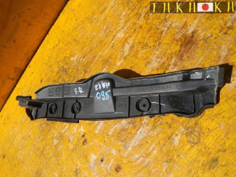 Уплотнитель крыла Toyota Prius ZVW30 передний правый (б/у)