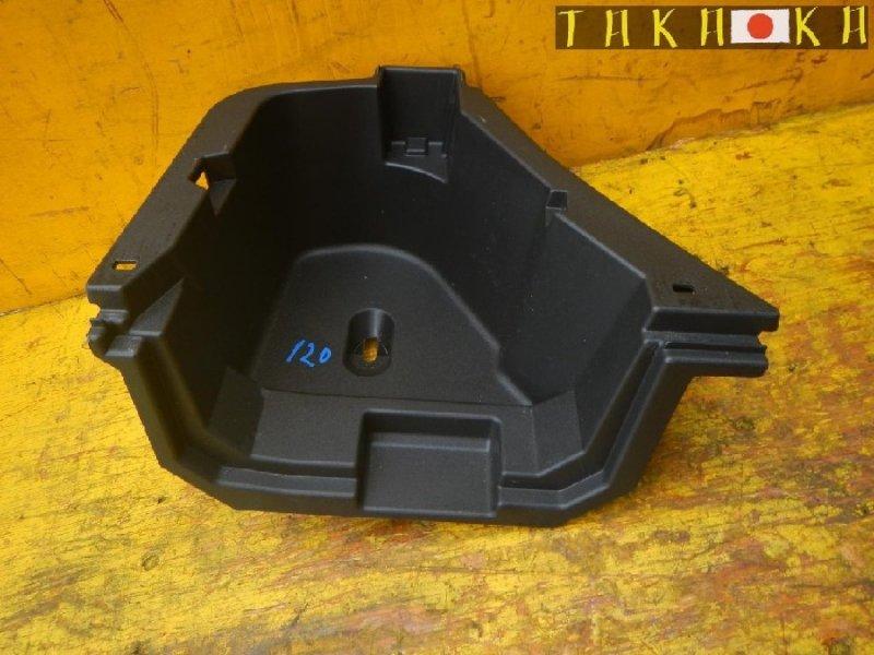Ванночка в багажник Toyota Prius ZVW30 задняя левая (б/у)