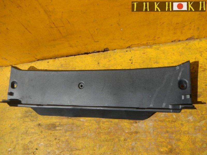 Пластик замка багажника Toyota Sai AZK10 (б/у)
