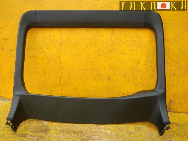 Обшивка двери багажника Toyota Prius ZVW30 (б/у)