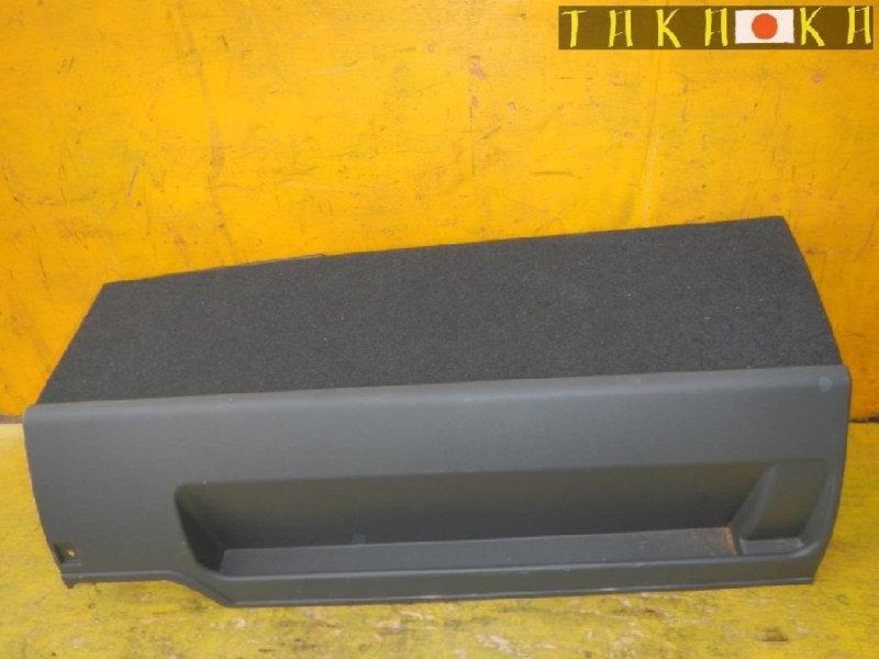 Обшивка багажника Toyota Prius Alpha ZVW41 (б/у)