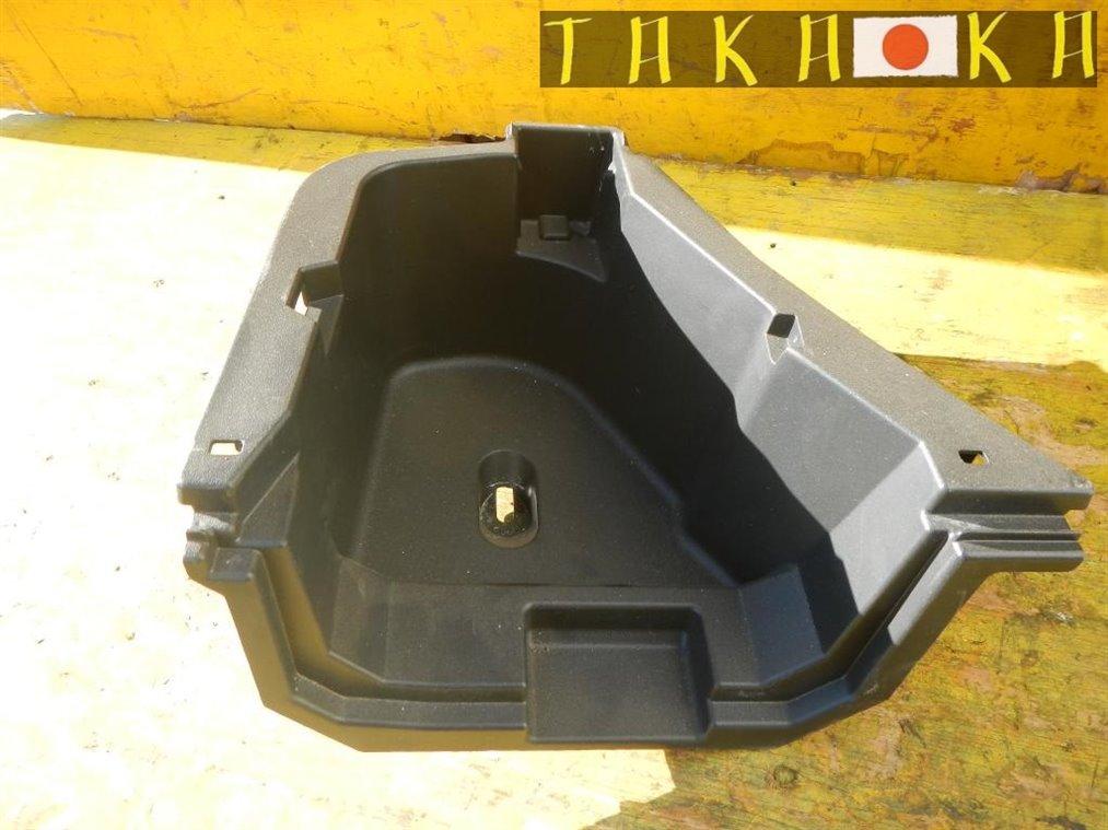 Ванночка в багажник Toyota Prius ZVW30 2ZRFXE задняя левая (б/у)