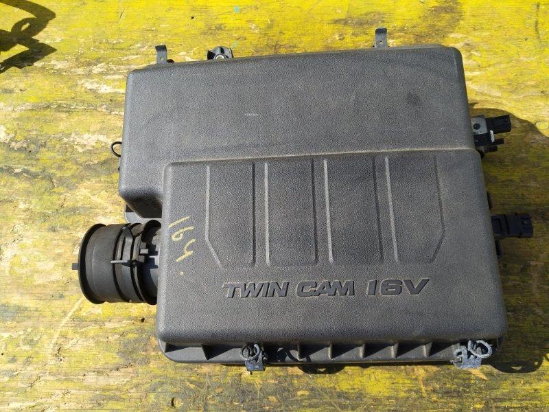 Корпус воздушного фильтра Toyota Passo Sette M502E 3SZVE передний (б/у)