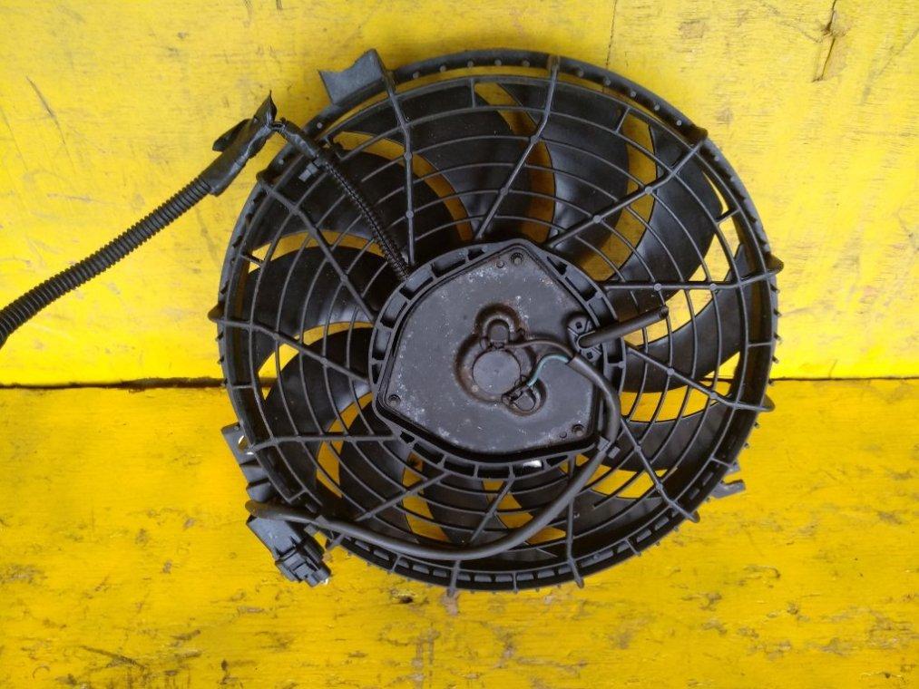 Вентилятор радиатора кондиционера Toyota Noah CR50 3CT 10.1998 передний (б/у)