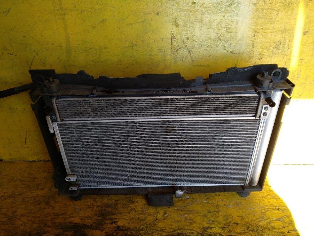Радиатор основной Toyota Prius ZVW30 2ZRFXE передний (б/у)
