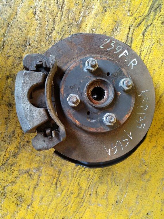 Ступица Toyota Vitz NSP135 1NRFE передняя правая (б/у)