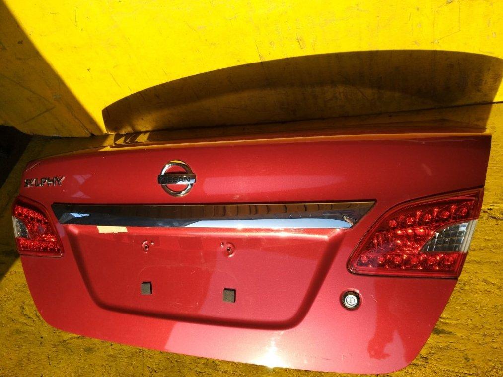 Крышка багажника Nissan Sylphy TB17 MRA8 задняя (б/у)