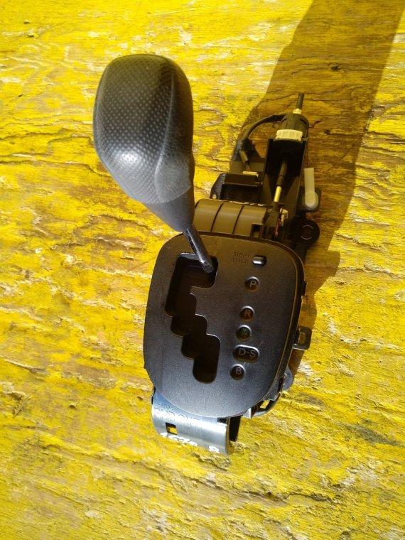 Селектор акпп Toyota Vitz KSP130 1NRFE передний (б/у)