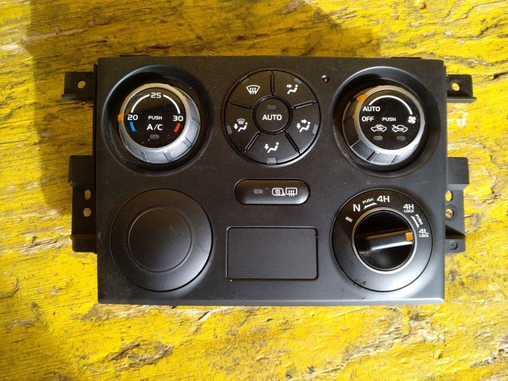 Блок управления климат-контролем Suzuki Escudo TD54W J20A передний (б/у)