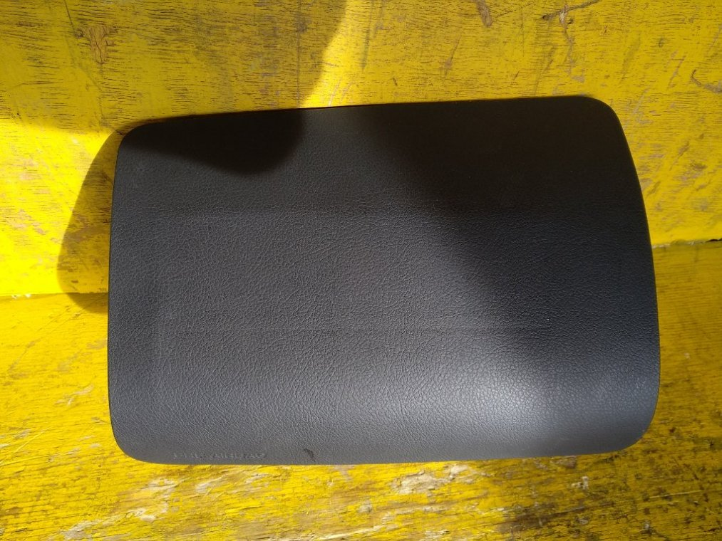 Airbag пассажирский Toyota Liteace S402M 3SZVE передний левый (б/у)