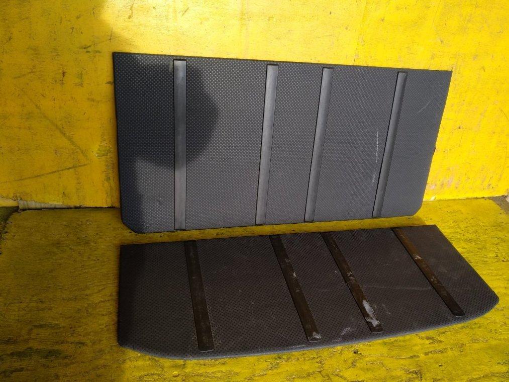 Полка багажника Nissan X-Trail NT31 M9R задняя (б/у)