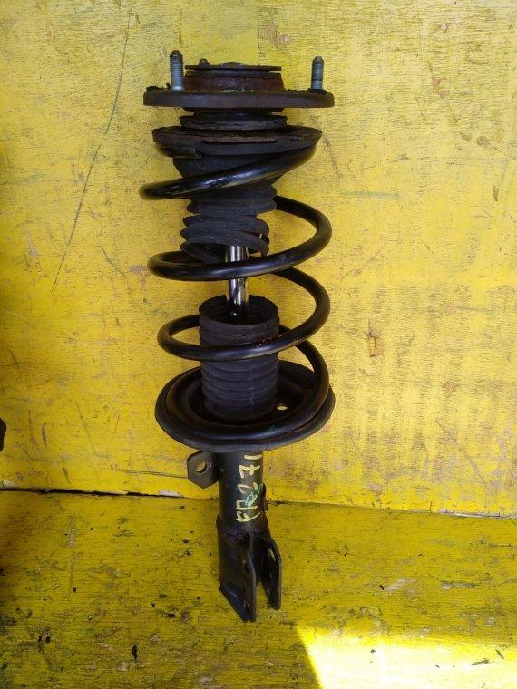 Стойка Toyota Isis ZGM15W 2ZRFAE передняя правая (б/у)