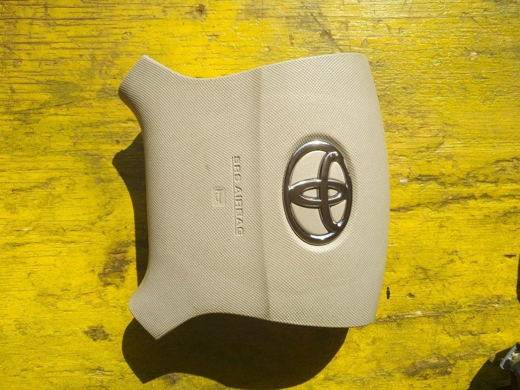 Airbag водительский Toyota Isis ZGM10G 2ZRFAE (б/у)