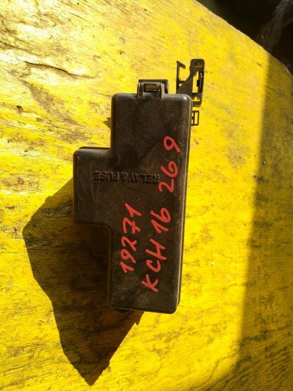 Блок предохранителей Toyota Granvia KCH10W 1KZTE (б/у)