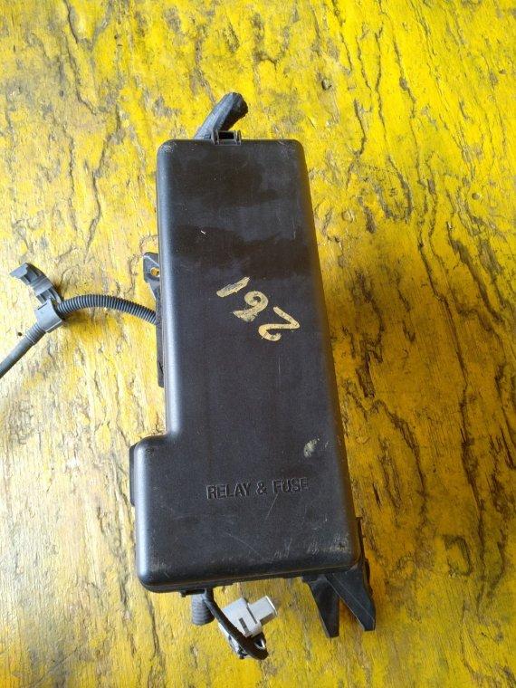 Блок предохранителей Toyota Kluger MCU25 1MZFE (б/у)