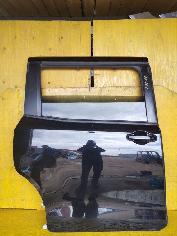 Дверь Toyota Voxy ZRR80 3ZRFAE задняя правая (б/у)