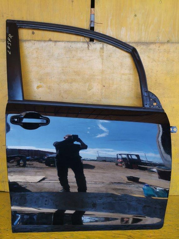 Дверь Toyota Voxy ZRR80 3ZRFAE передняя правая (б/у)