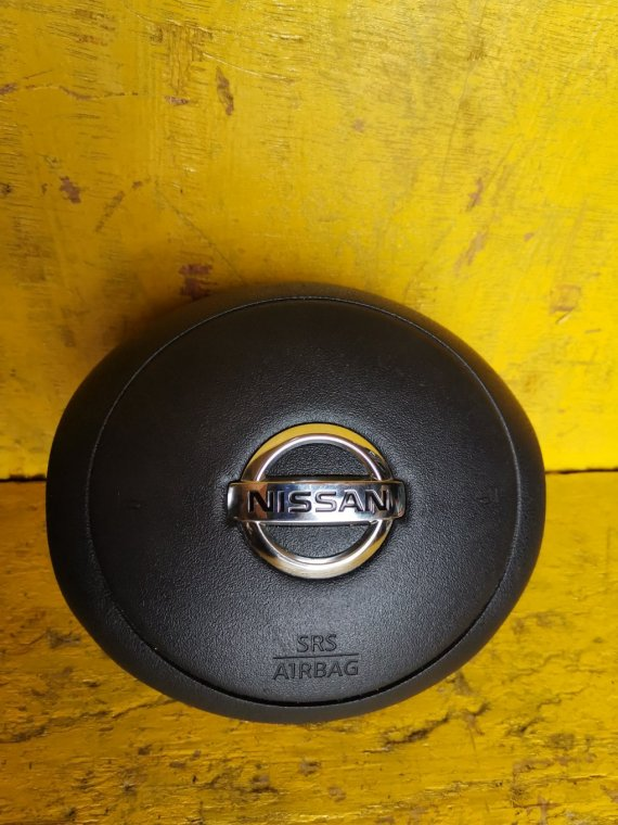 Airbag водительский Nissan March NK13 HR12DE (б/у)
