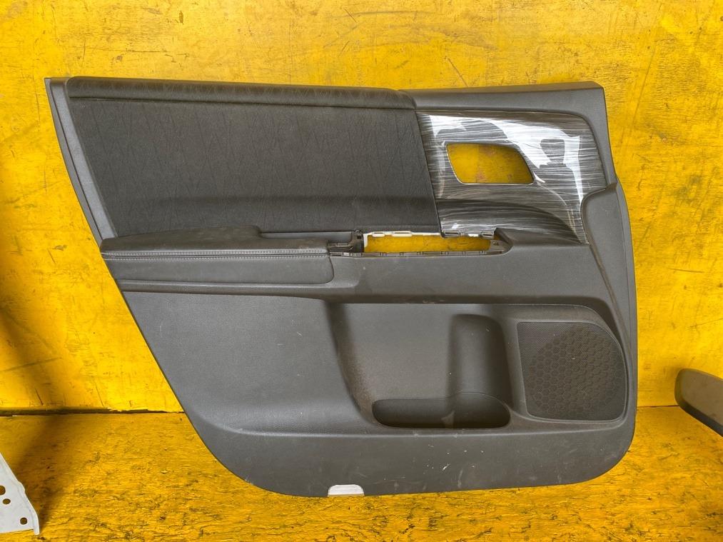 Обшивка дверей Honda Odyssey RC1 передняя левая (б/у)